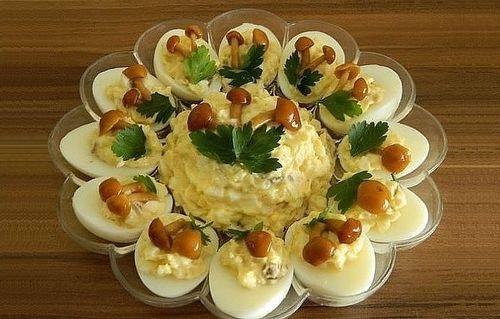 """Рецепты салатов с курицей """"Дубки"""""""