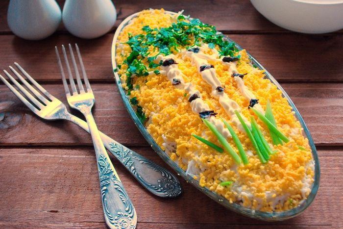 """Салат """"Березка с куриным филе и черносливом"""""""