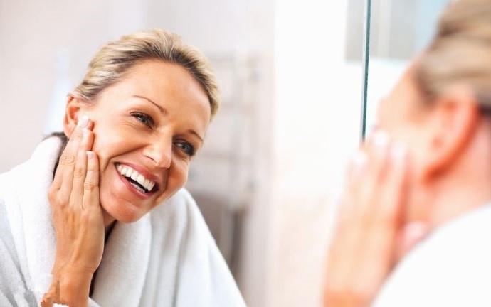 Варианты ухода за кожей лица после сорока