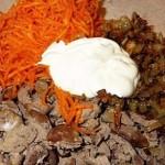 Салат с куриной печенью и корейской морковкой