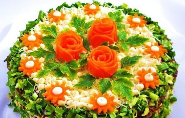 Украсить праздничный стол Печеночным тортом