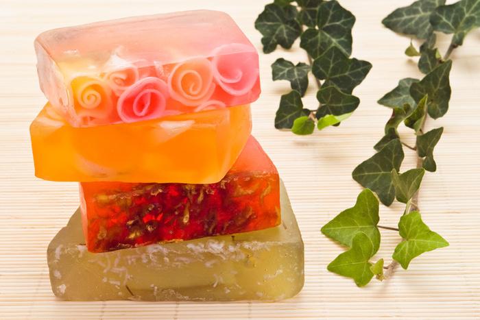 Как красиво оформить прозрачное мыло