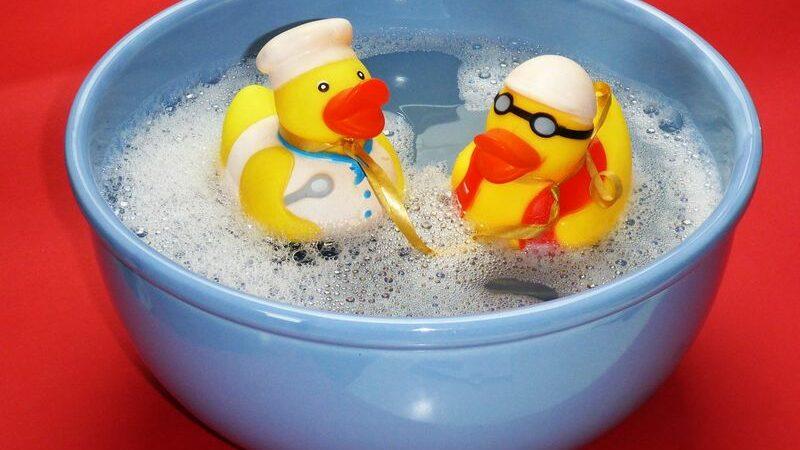 Ванночки для новорожденных, как выбрать?