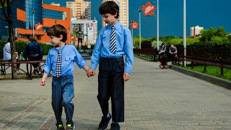 Как выбрать галстук для мальчика?